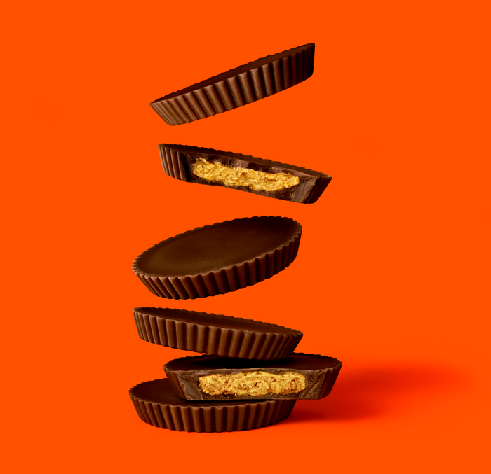 REESE'S THINS Dark CHOCOLATE PEANUT BUTTER CUPS Share Pack (208g)-9863